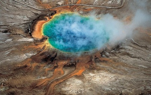 27eed5a100000578-3053621-the_yellowstone_supervolcano_is_one_of_the_largest_active_contin-a-22_1429867843845